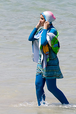 By Giorgio Montersino from Milan, Italy (cool burkini) [CC BY-SA 2.0 (http://creativecommons.org/licenses/by-sa/2.0)], via Wikimedia Commons
